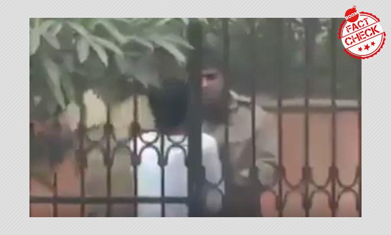 নাগরিকত্ব আইন বিক্ষোভ: ২০১৪ সালের দিল্লি পুলিশের এক ব্যক্তিকে পেটানোর ভিডিও ফিরে এল