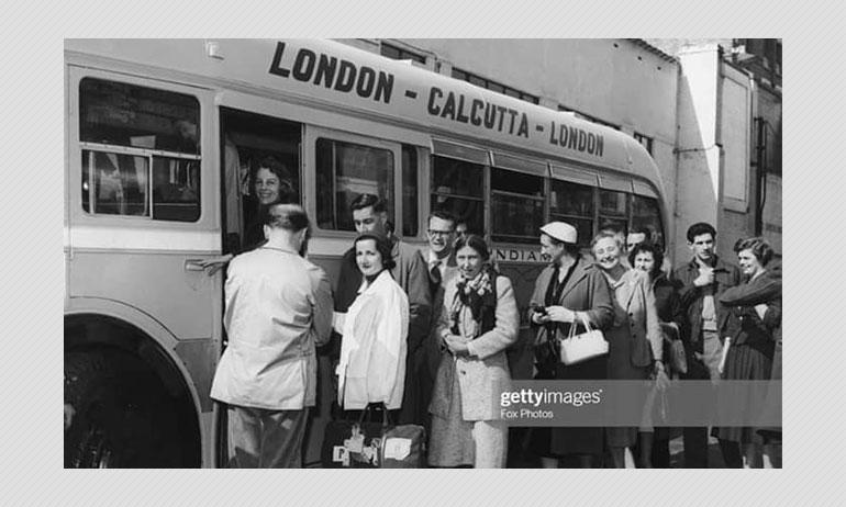 ১৯৫৭ সালে বাসে চড়ে লন্ডন থেকে কলকাতা? ভাইরাল ছবিটি সত্যি