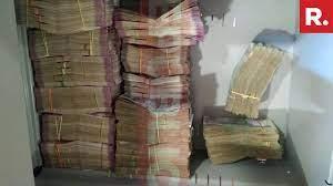 একটি আর্ট ইনস্টলেশন ভিডিও আবার ভাইরাল, যেন ডি কে শিবকুমারের বাড়িতে সাজানো টাকা দেখা যাচ্ছে তাতে